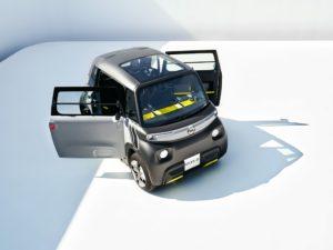 Opel Rocks-e incarna la nuova epoca della mobilità urbana
