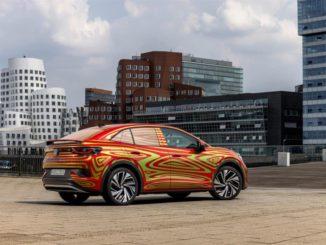 Debutto all'IAA di Monaco della Volkswagen ID.5 GTX con livrea camuffata