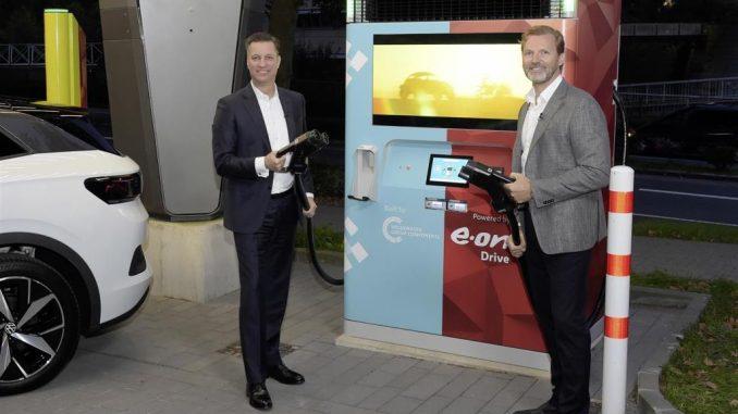 Stazione di ricarica rapida con batteria di accumulo da E.On e Gruppo Volkswagen