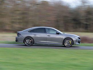 Con la modalità Sport, Nuova 508 PSE è una Peugeot diversa da tutte le altre