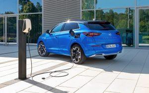 Nuovo Opel Grandland è efficiente ed elettrificato