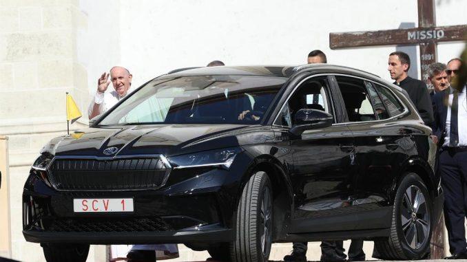 Due Škoda Enyaq iV elettriche per la visita di Papa Francesco in Slovacchia