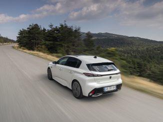 Debutto degli inediti ADAS per la sicurezza di guida della Nuova Peugeot 308