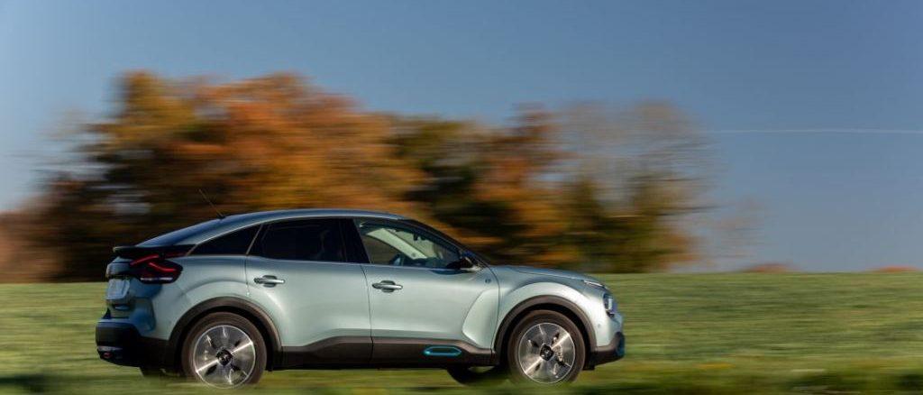 Viaggio in Classe ë-Confort con Citroën ë-C4 Elettrica